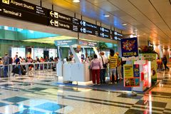 Singapore: Contatore di informazioni all'aeroporto di Changi Immagini Stock Libere da Diritti