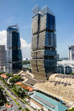 Singapore de stad in, de Toren van het Zuidenstrand en Marriott-Hotel Royalty-vrije Stock Foto