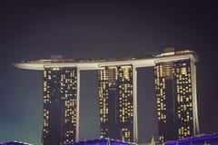 Singapore December 20,2013: Den nya Marina Bay Sands semesterorten på a Royaltyfri Bild