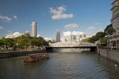 Singapore-December 2015.Singapore River and cavenagh Bridge Royalty Free Stock Images