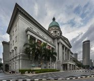 Singapore, Singapore - 25 dicembre 2017: National Gallery precedente Singapore Corte suprema del ` s di Singapore, immagini stock