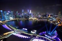 Singapore em a noite Imagens de Stock Royalty Free