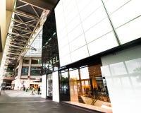 Singapore. De boutique van Chanel bij het winkelcentrum van de Toevlucht van het Zand van de Baai van de Jachthaven Stock Afbeeldingen
