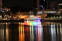 Singapore flod och Clarke Quay på natten Royaltyfria Foton