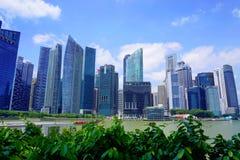 Singapore flod och skyskrapor Royaltyfria Bilder