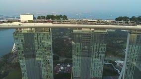 SINGAPORE - 17 GIUGNO 2018: Vista aerea di Marina Bay Sands Singapore colpo Vista aerea dell'orizzonte della città di Singapore c archivi video