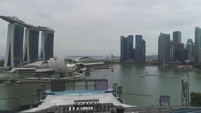 SINGAPORE - 17 GIUGNO 2018: Vista aerea di Marina Bay Sands Singapore colpo Vista aerea dell'orizzonte della città di Singapore c stock footage