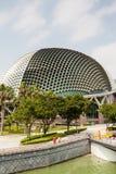 Singapore gränsmärke: Promenadteatrar på fjärden Arkivfoton
