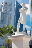 Singapore. Het standbeeld van de heer Raffles Stock Foto's