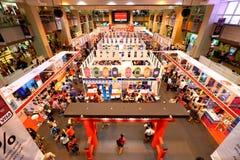 Singapore: Het winkelen Stock Foto