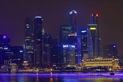 Singapore horisont och Fullerton hotell Royaltyfri Foto