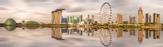 Singapore horisont och sikt av Marina Bay Arkivbild