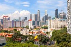 Singapore hus med stadssikt Royaltyfria Bilder