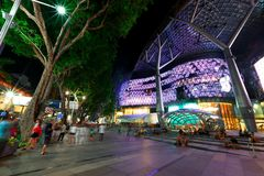 Singapore: ION Orchard shoppinggalleria Arkivfoton