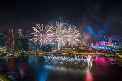 Singapore 50 jaar het Nationale vuurwerk van de de Jachthavenbaai van de Daggenerale repetitie Royalty-vrije Stock Afbeeldingen