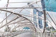 Singapore 2016 Januari 14: Landskap av det Marina Bay Sands hotellet, bron, museet och det finansiella området Arkivbild