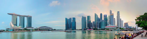 SINGAPORE - 01 JANUARI 2014: Panoramautsikt av Marina Bay Sands Royaltyfri Foto