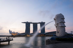 SINGAPORE, JUL 16 2015 : The Merlion and the Marina Bay Sands Re Royalty Free Stock Photo