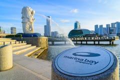 9 Singapore-JULI, 2016: De fontein van het Merlionstandbeeld in Merlion-Park Royalty-vrije Stock Afbeeldingen