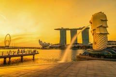 9 Singapore-JULI, 2016: De fontein van het Merlionstandbeeld in Merlion-Park Royalty-vrije Stock Foto's
