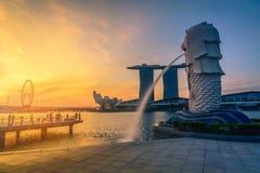 9 Singapore-JULI, 2016: De fontein van het Merlionstandbeeld in Merlion-Park Royalty-vrije Stock Fotografie