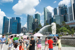 15 Singapore-juli, 2015: De Merlion-fontein in Singapore Merli Royalty-vrije Stock Afbeelding