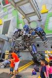 SINGAPORE - JULI 20, 2015: TRANSFORMATORER ritten: Det ultimat Arkivbilder