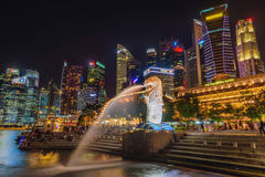 SINGAPORE-JULY 8, 2016: Merlion statue fountain in Merlion Park Royalty Free Stock Photography