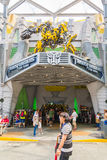 SINGAPORE - JULY 20,2015 : TRANSFORMERS The Ride: The Ultimate 3. D Battle The statue of Autobot robot at Sci-Fi City, Universal Studio, Singapore Stock Photos