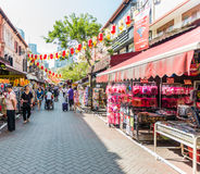 SINGAPORE - JUNE 20 : Bustling street of Chinatown district on J Royalty Free Stock Image