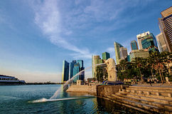 SINGAPORE - June 6 : Merlion park at dawn with sunrise scene Royalty Free Stock Photography