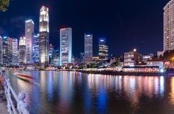 16,2016 Singapore-juni: De stadshorizon van Singapore bij nacht Royalty-vrije Stock Fotografie