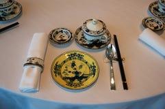 SINGAPORE - 23 luglio 2016: Interno del ristorante di cantonese o di cinese, parte di un albergo di lusso cinque stelle a Marina  Fotografie Stock Libere da Diritti