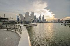 31 Singapore-MAART: Marina Bay Sands Resort Hotel op Mar 31, Stock Afbeelding