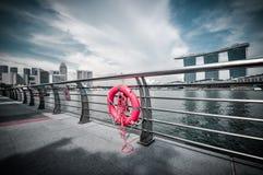 31 Singapore-MAART: Marina Bay Sands Resort Hotel op Mar 31, Stock Foto's