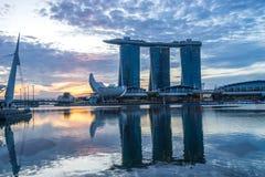 Singapore, Singapore - Marina Bay Sands hotell och det ArtScience museet arkivbild