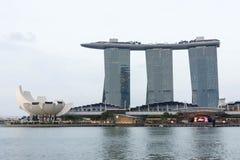 Singapore Marina Bay Sands hotell och flod, Singapore, April 14, arkivfoto