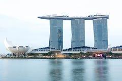 Singapore Marina Bay Sands hotell och flod, Singapore, April 14, Royaltyfri Fotografi