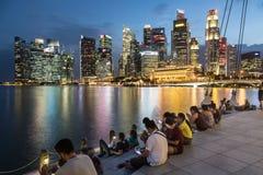 Singapore marina på natten Arkivfoton