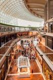 SINGAPORE - MARS 20, 2016: inre av shoppesna på Marina Ba royaltyfri bild