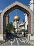 Singapore, Singapore - 17 marzo 2018: Sultano di Masjid, via araba, Singapore Immagine Stock