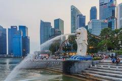 Singapore Merlion efter solnedgång Arkivbilder