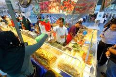 Singapore: Nachtmarkt Pasar Malam Royalty-vrije Stock Afbeeldingen
