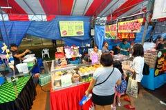Singapore: Nattmarknad Pasar Malam Royaltyfri Fotografi