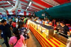 Singapore: Nattmarknad Pasar Malam Arkivfoton