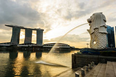 SINGAPORE - NOVEMBER 23, 2016: silhouette of Merlion Statue at M Royalty Free Stock Images