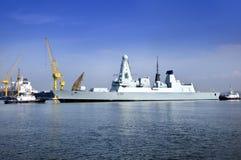 27 Singapore-Oct: Dayview van Britse oorlogsschip HMS het Durven (D32) dokken in Sembawang-Scheepswerf. Royalty-vrije Stock Afbeeldingen