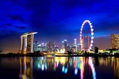 Singapore på natten Royaltyfri Fotografi