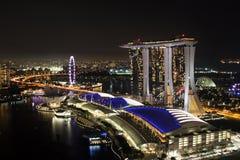 Singapore på natten Arkivfoton