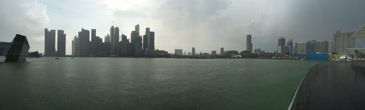 Singapore panoramautsikt under regnet Arkivbilder